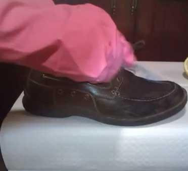 limpiar zapatos