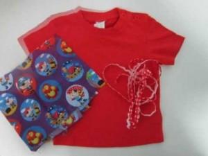 Camiseta decorada con tela - Decorar camisetas basicas ...